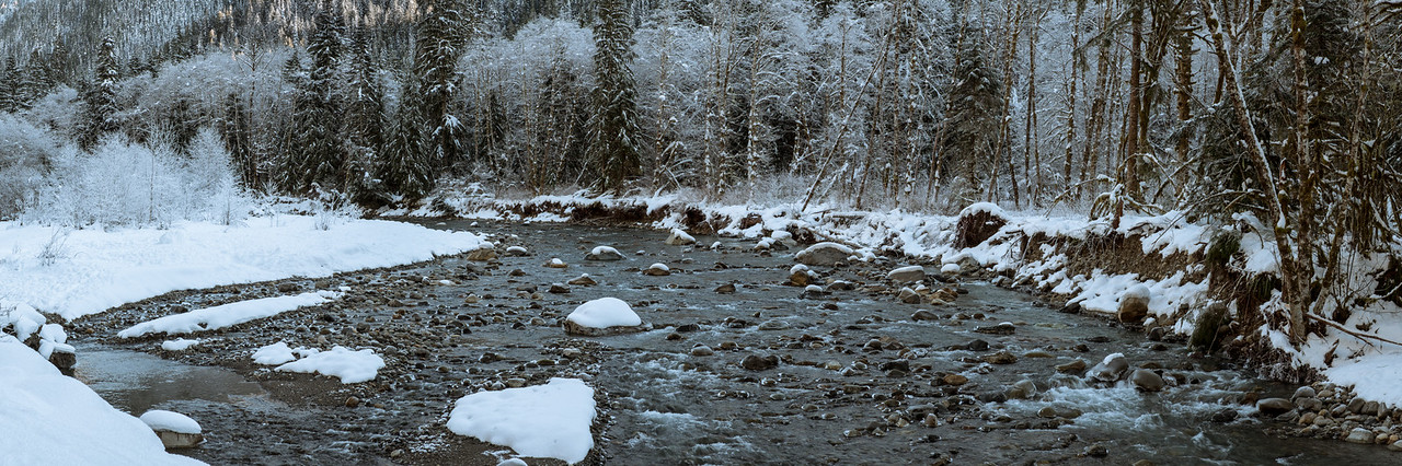 Stillaguamish River in the winter - Pano
