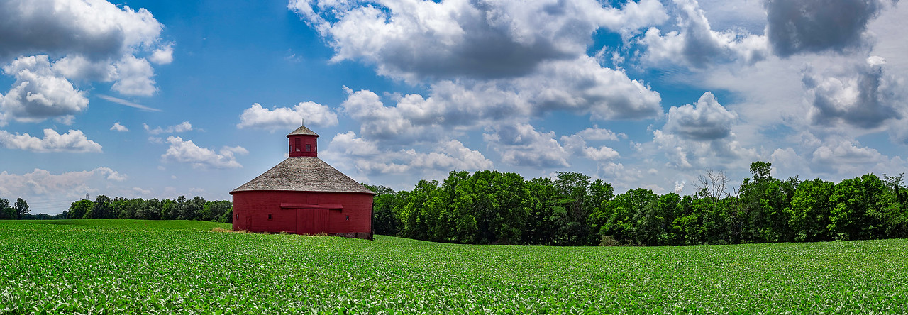 Red Round Barn - Kingston, Indiana