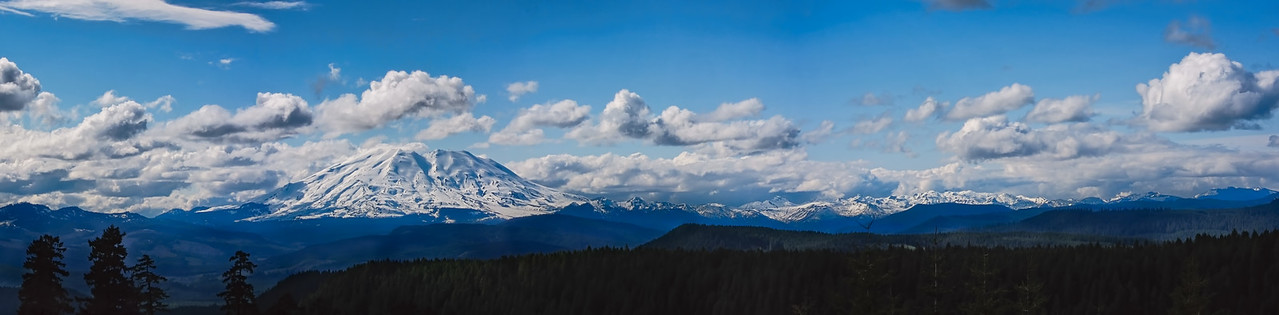 Mt St Helens in her snow covered glory