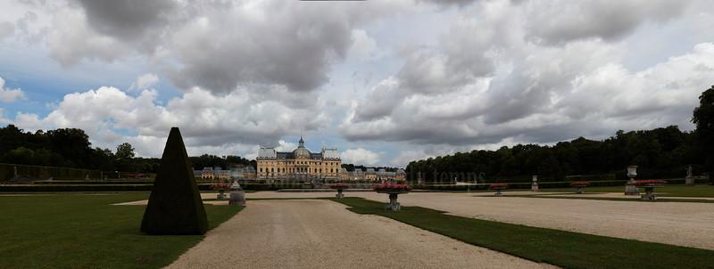 Vaux le Vicomte, panoramique 9 images, f/8, 1/500, iso 200, 43 mm