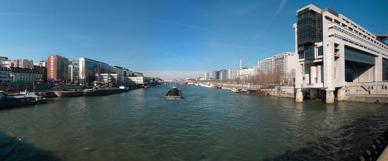 Bercy, ministère des finances, panoramique 6 images,  f/5, 1/1000, iso 200, 6 mm (canon powershot S90)