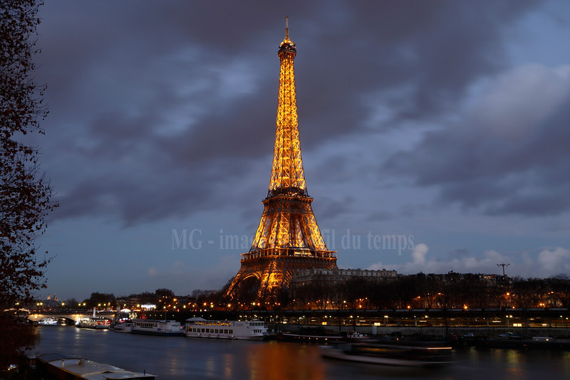 Tour Eiffel, f/22, 8 sec, iso 200, 38 mm