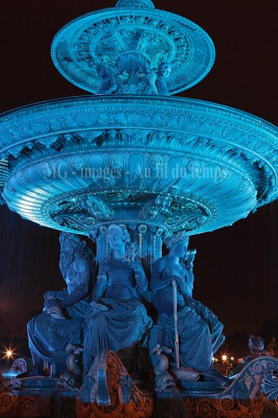 Fontaine place de la Concorde f/11, 3,2s, iso 200, 48 mm