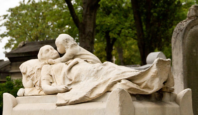 Yep - out-of-focus. It was compelling when I came across it in Pere Lechaise