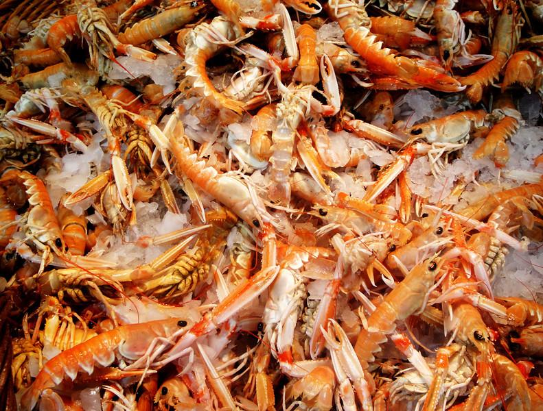 Shrimp for sale at Paris Market