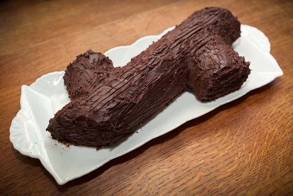 Cheryl baked a Bûche de Noël for dessert