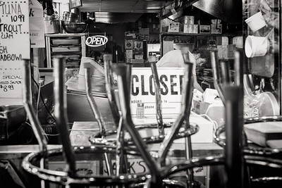 OPEN/CLOSED