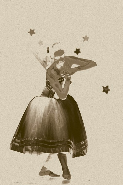 sepia dancer