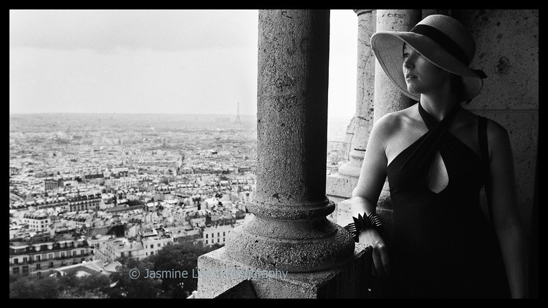 Kate Peruses Paris