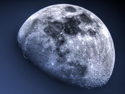 Daylight Moon - HDR