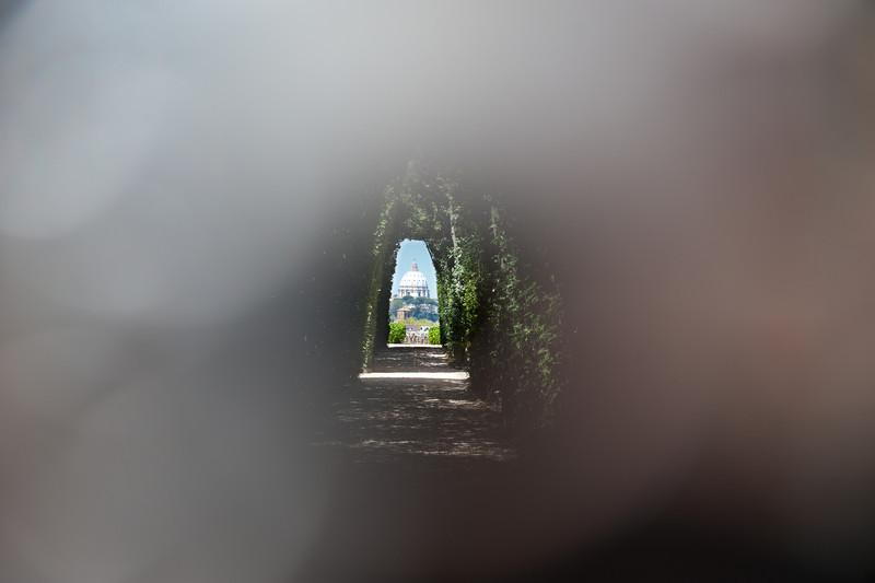 Peephole to St. Peter's - Piazza Cavalieri di Malta on Aventino