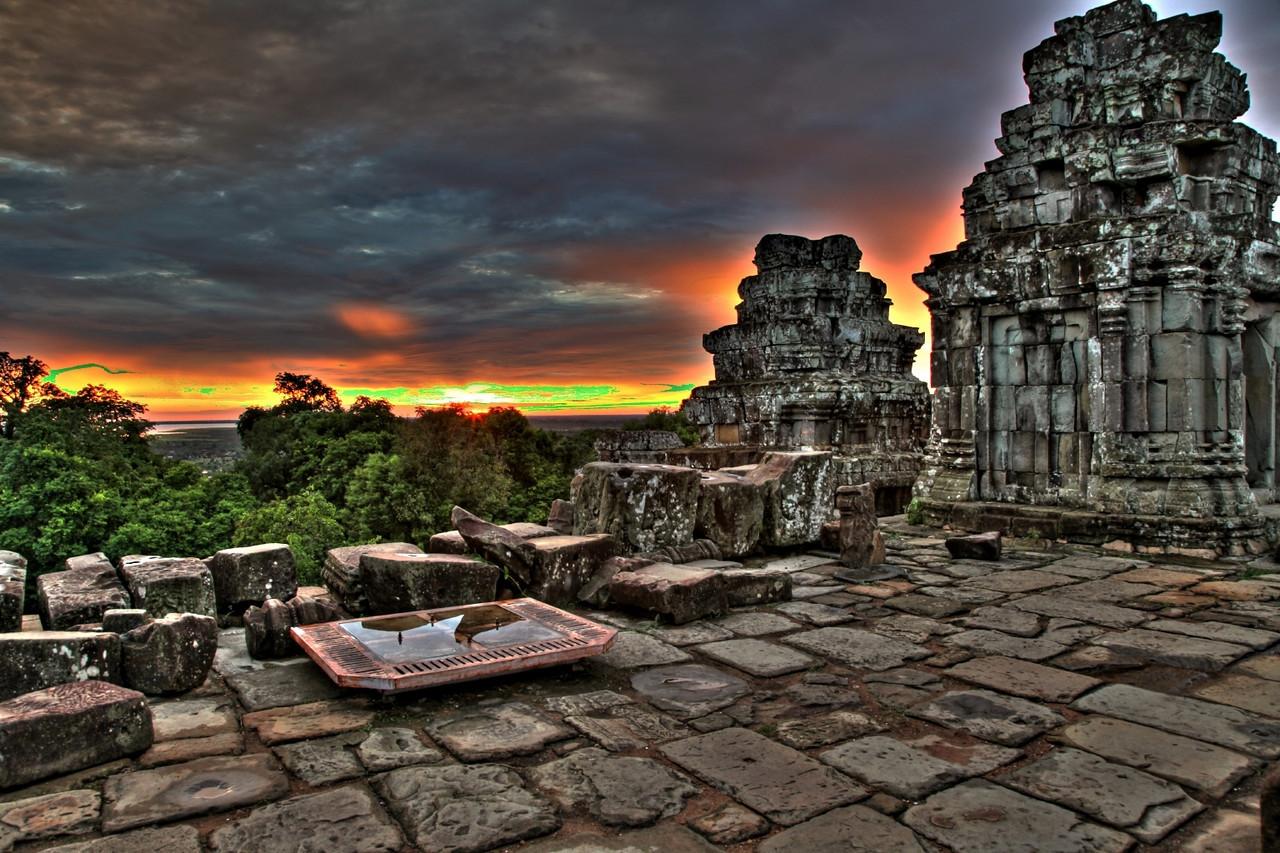 Sunset around Siem Reap.