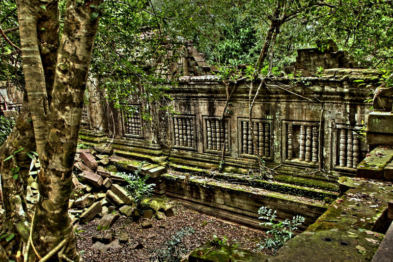 Beng Mealea is oriented toward the east, but has entranceways from the other three cardinal directions.