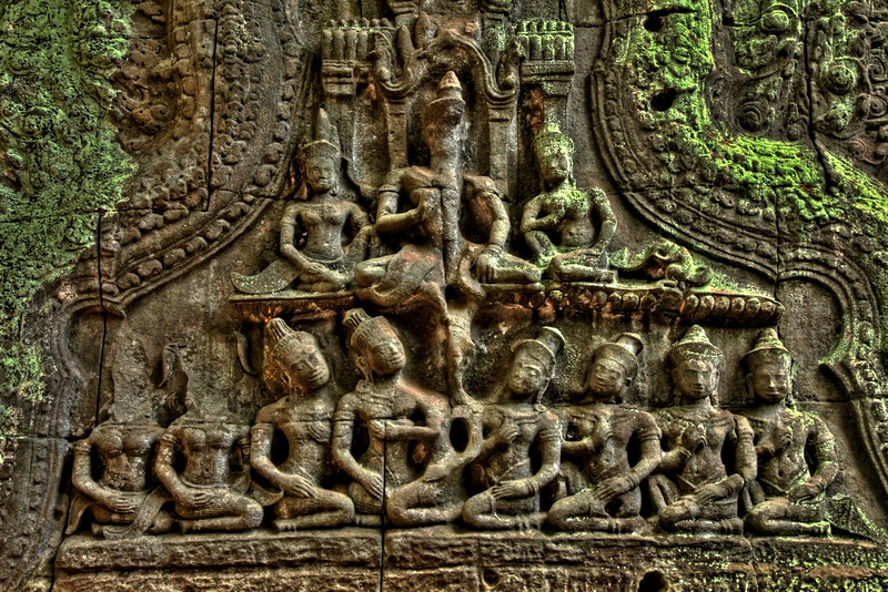 There is extensive carving of scenes from Hindu mythology, including the Churning of the Sea of Milk and Vishnu being borne by the bird god Garuda.