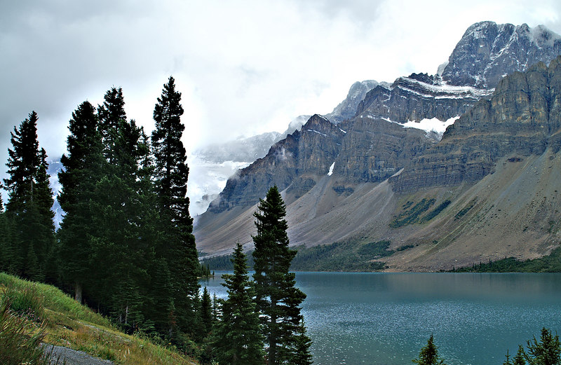 High resolution version. Bow Lake in Banff National Park, Alberta, Canado on the Icefields Parkway