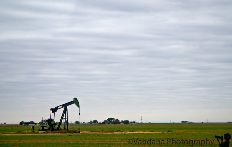 October 22, 2006 - want some Oil ?! <br /> some drilling goind on in Texas