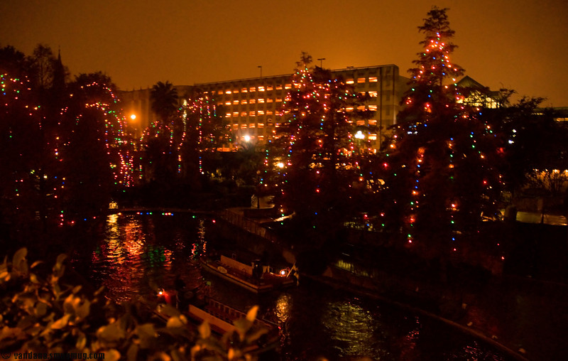 December 14, 2007 - The River Walk , San Antonio at night.<br /> Handheld shot, since I didn't take a tripod !