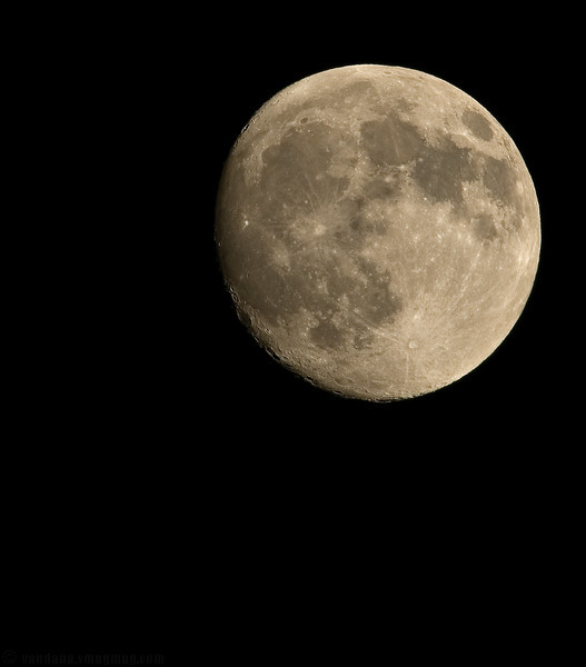 September 24,2007 - Always time for another moon shot ..:)