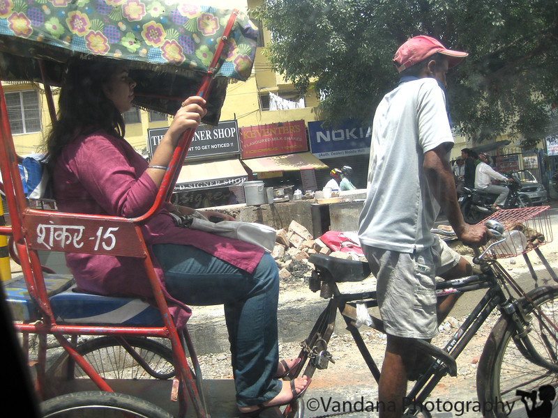 August 10, 2009 - The crowded Delhi Streets..a rickshaw on the roads