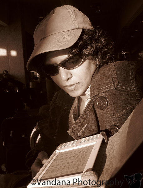 Jan 19, 2009 - Reading the Kindle..