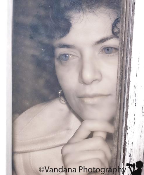 November 30, 2010 - V, waiting at the door, in IR