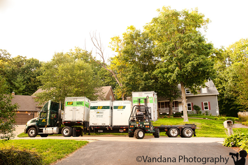 August 26, 2011 - Moving day - truck loads of stuff moves to Charlotte, NC ! last day at work at Rockford, IL !<br /> <br /> late uploading the shots, since I just found my transfer apparatus/chargers etc !