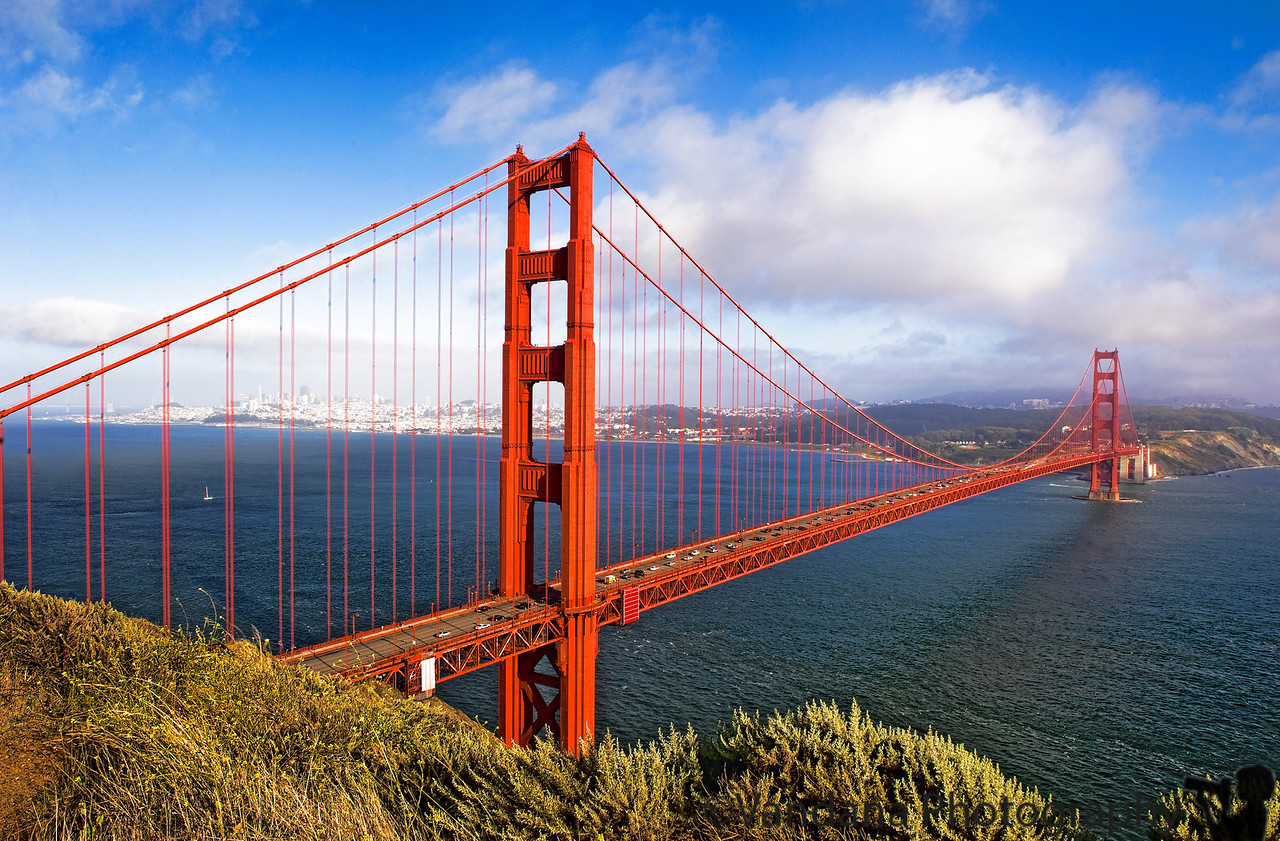 July 10, 2011 - another day, another view of the Golden Gate bridge !<br /> <br /> On the way back from Point Reyes, we shot this view from the Marin headlands viewpoint. Sunday was a rest day, filled with shopping , hanging out in Union Square and checking into the Harbor Court hotel with a view of the bay bridge.