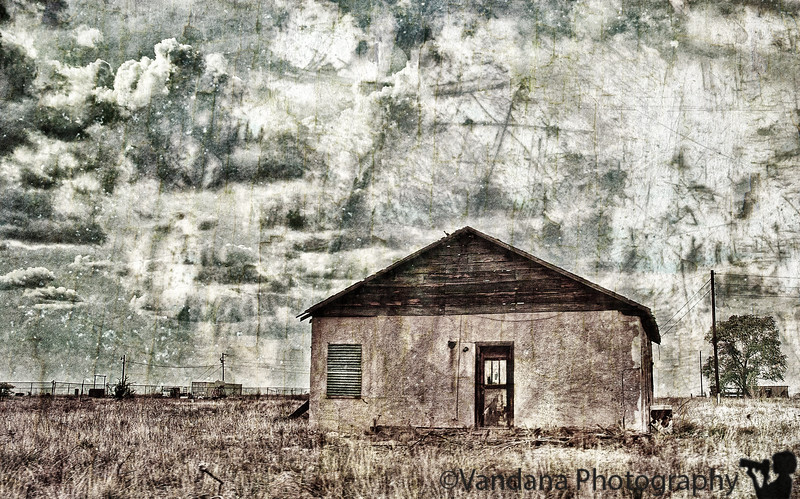February 26, 2012 - the old barn<br /> <br /> Playing with textures, hoping to attain a JY(ifocus) effect, but not quite successful !