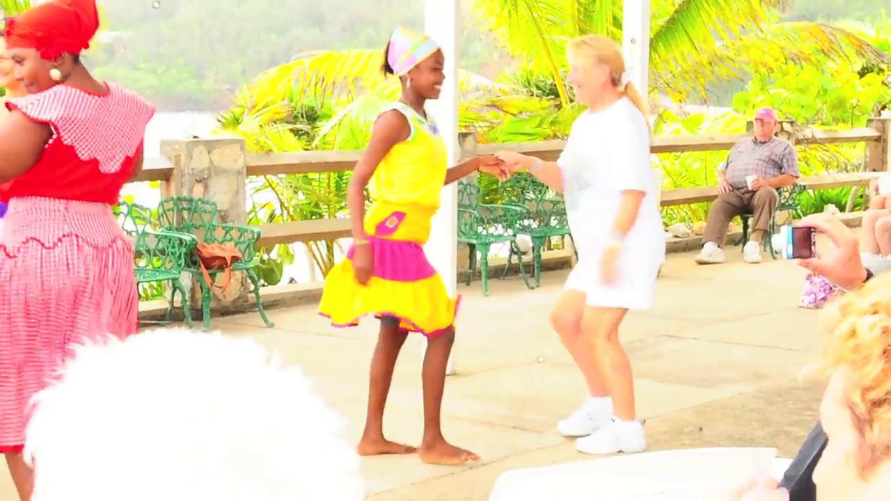 "March 12, 2012 - Caribbean vacation recap : Vandana dances with pretty tribal girls of Roatan, Honduras! More Western Caribbean pics <a href=""http://www.vandanaphotography.com/gallery//20927607_4jMfms"">here!</a>"