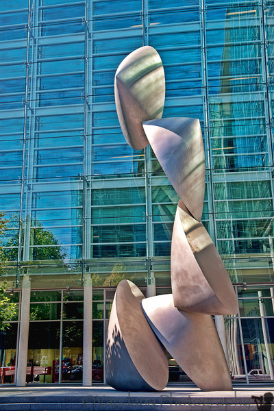September 19, 2012 - Outdoor art in SF ( taken from the car, actually I don't remember where exactly it was !)