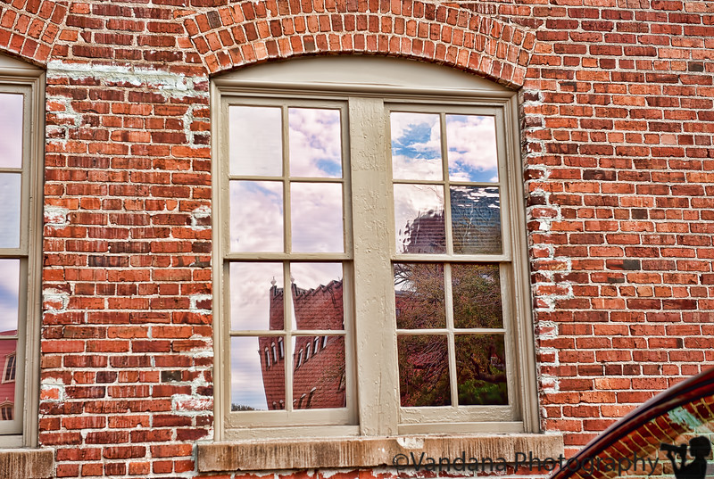 January 21, 2012 - Urban reflections <br /> <br /> inspired by fotoeffects who is always spotting these kind of cool urban reflections !
