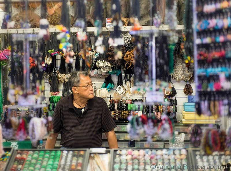 September 10, 2013 - The Jeweller, at Pike Place Market, Seattle<br /> <br /> too busy for new shots !