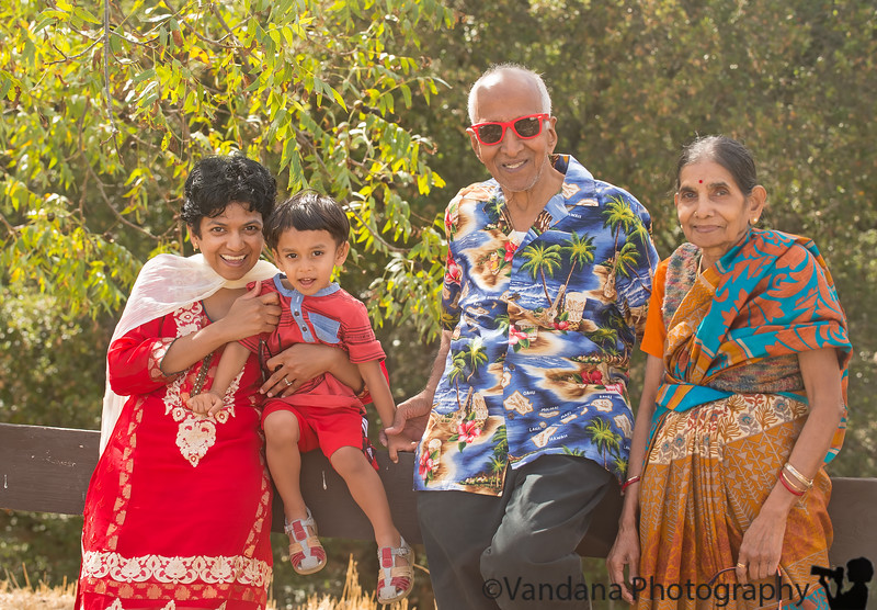 October 5, 2014 - Grandparents leave today, back to India ! Come back soon !