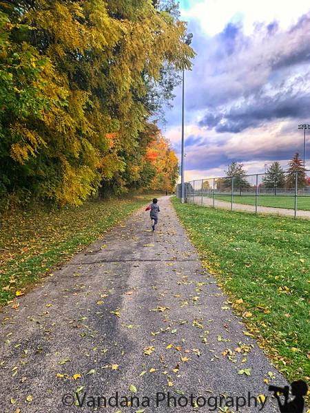 October 8, 2019 - Run to soccer field !