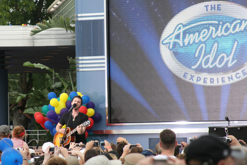 August 20, 2010: Tonight is the last of my three concerts of this week. I'm heading to see Kris Allen, last year's American Idol, at The Social in downtown Orlando. This is a photo that I snapped of him for his performance at Hollywood Studios last year. Have a great weekend!