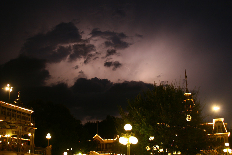 August 3, 2010: On Saturday, I went to Magic Kingdom to try to watch the Main Street Electrical Parade. However, it got cancelled because of weather. This is a shot that I grabbed facing City Hall.