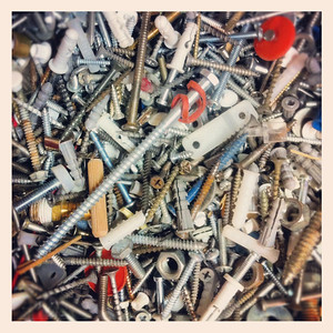 10-05-12.  Just a few loose screws.
