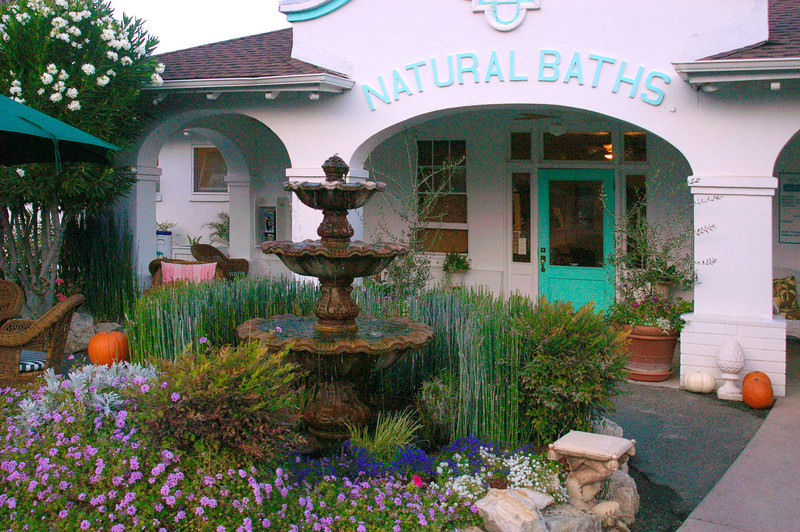 Entrance to the historic Indian Springs spa in Calistoga, CA, where volcanic hot springs provide healing mineral water for relaxing hot mud baths.