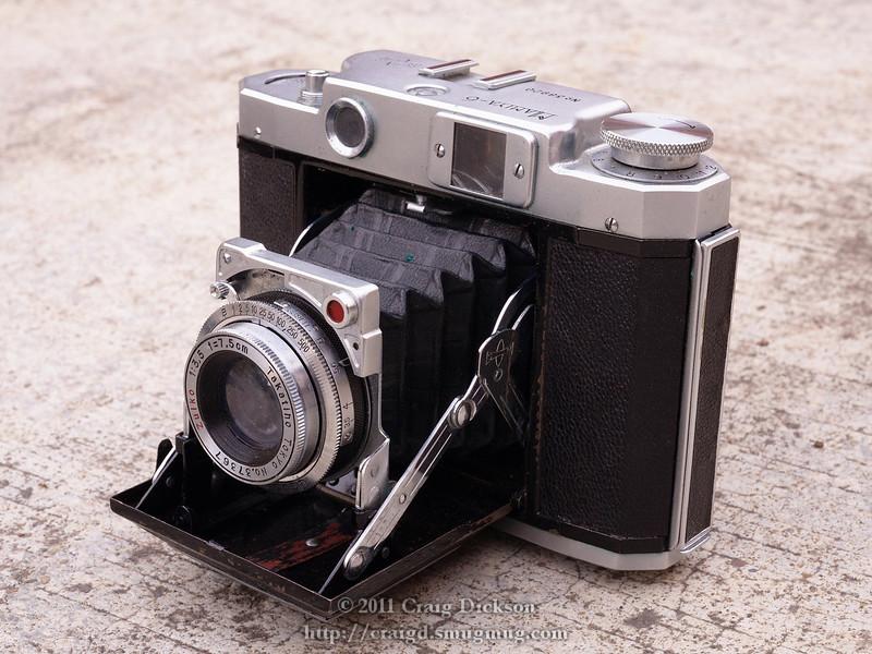 Mamiya Six (type IV) 6x6 camera (c. 1947)