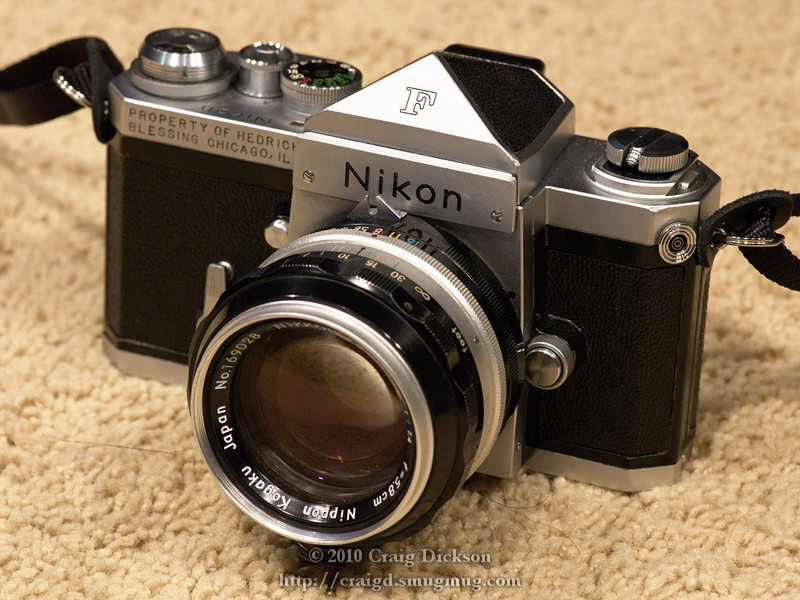 Nikon F with non-metering pentaprism viewfinder and Nikkor 5.8cm f/1.4 lens (1961)