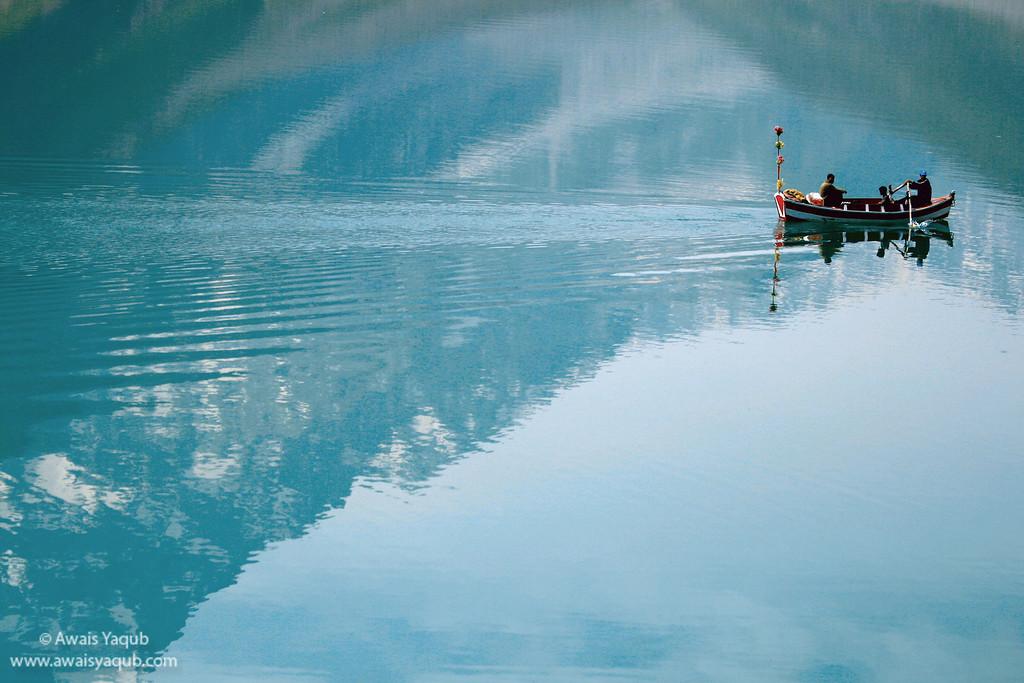 Beautiful reflection of Malika Perbat in the lake saif-al-malook.