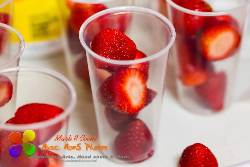 strawberries in glasses prepared for break time