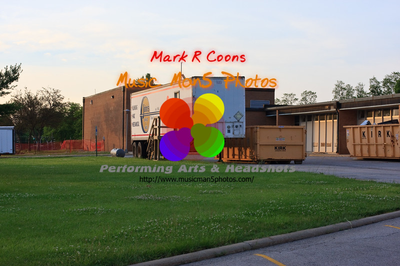 "construction at Collen Hoose. <br><center><a href=""javascript:addCartSingle(ImageID, ImageKey)""><img src=""http://www.musicman5photos.com/photos/584931612_TXRui-S.gif"" border=""0""></a></center>"