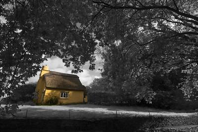 Thatched cottage (Merthyr Mawr)