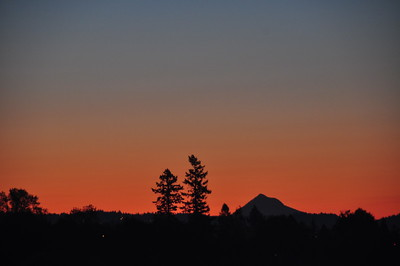 10/06/09  Sunrise over Mt Hood