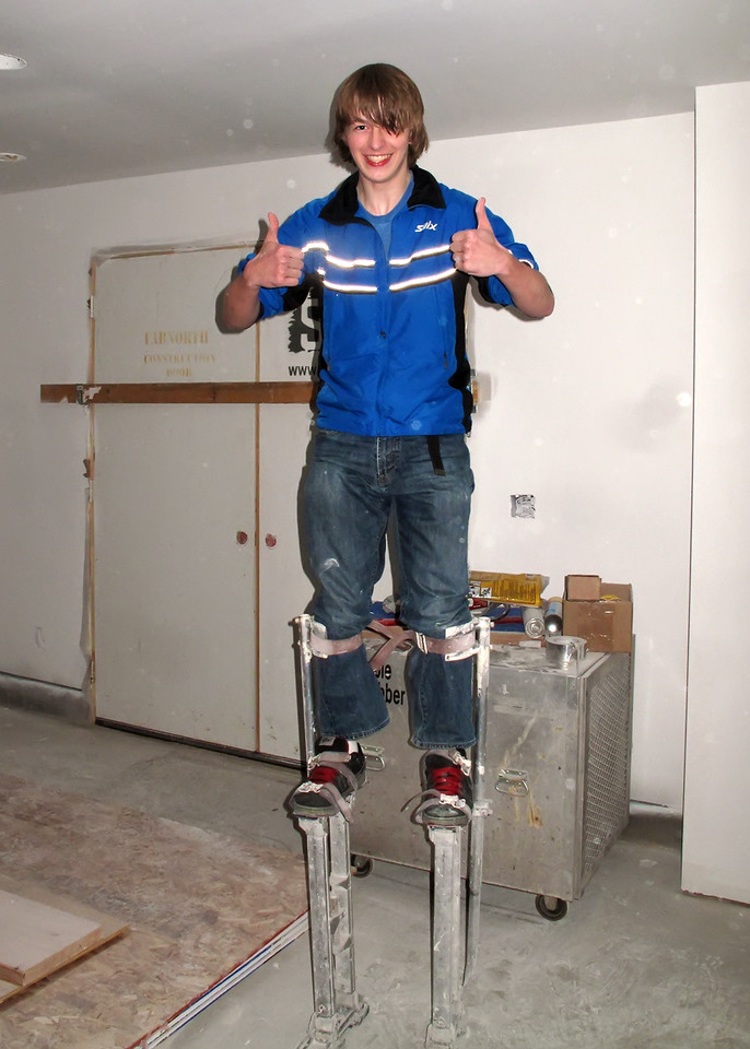 Sam tries out the Drywall stilts!