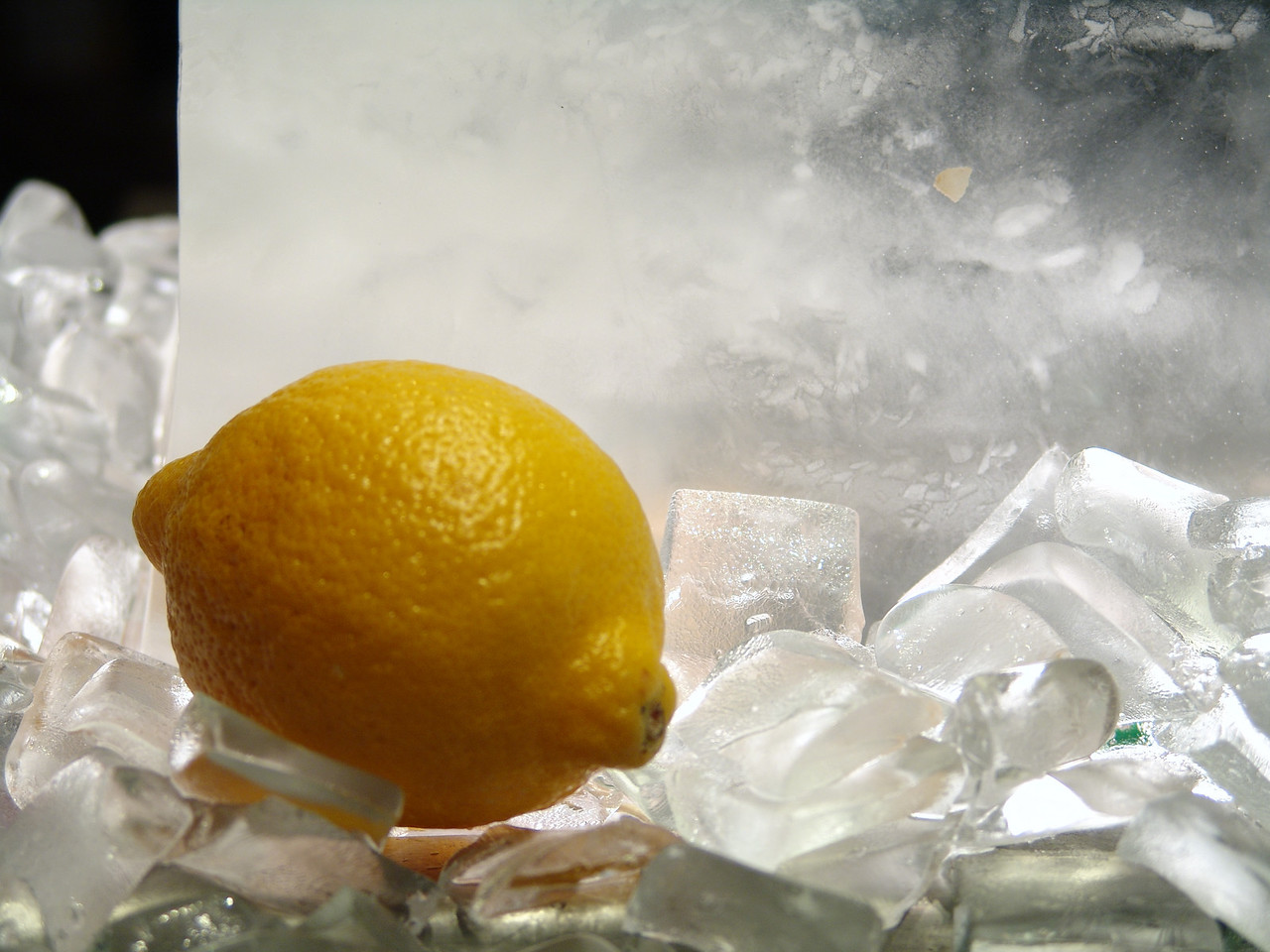 I repositioned lemon to bring it out of the ice. Unretouched picture.