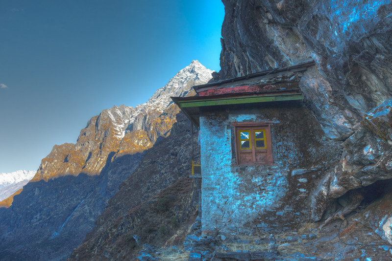 Beding Gompa<br /> A nice morning hike above Beding
