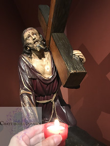 Statue of Christ carrying the cross