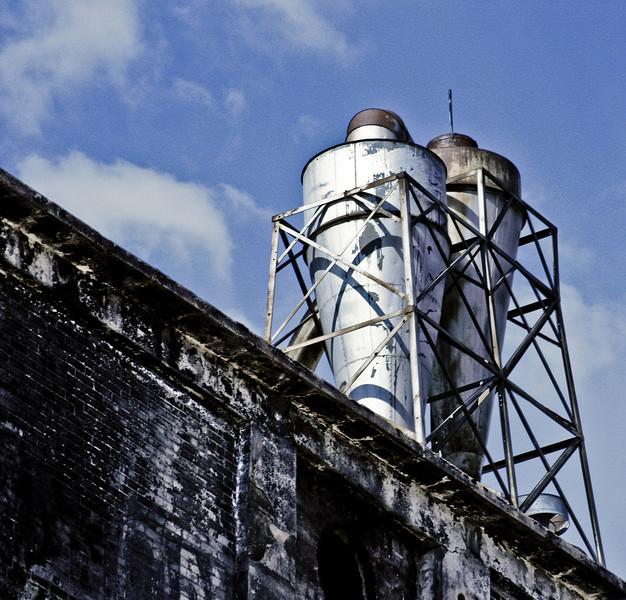 Golden West Flour Mill, 14.
